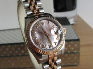 A Ladies Rolex 179171 Bi-Metal Everose Gold and Stainless Steel