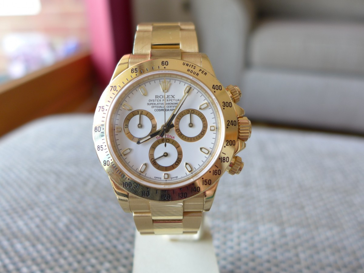 A Day With Rolex Daytona 116528 Solid Gold 18K