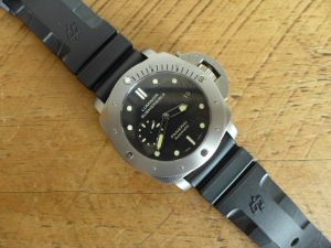 Hands on With Panerai 305 Submersible 1950 3 Day 47mm Automatic
